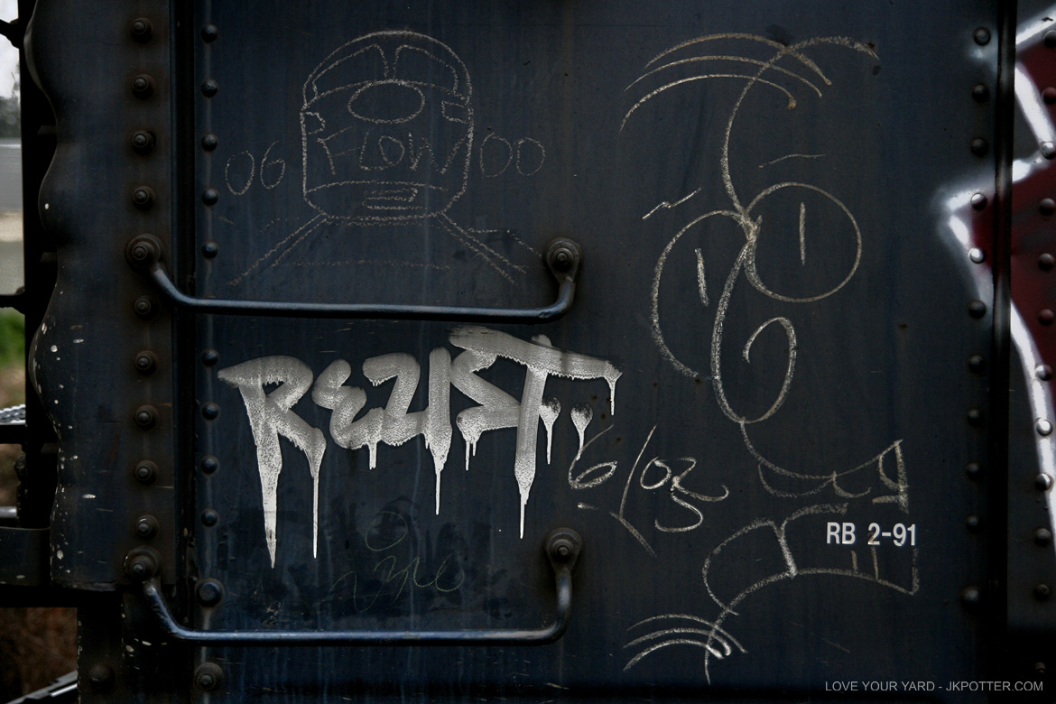flow, rezist, tags, graffiti, boxcar, train, boxcar tags, railroad graffiti, freight train graffiti, rail art, rail graffiti, boxcar, freight, moniker